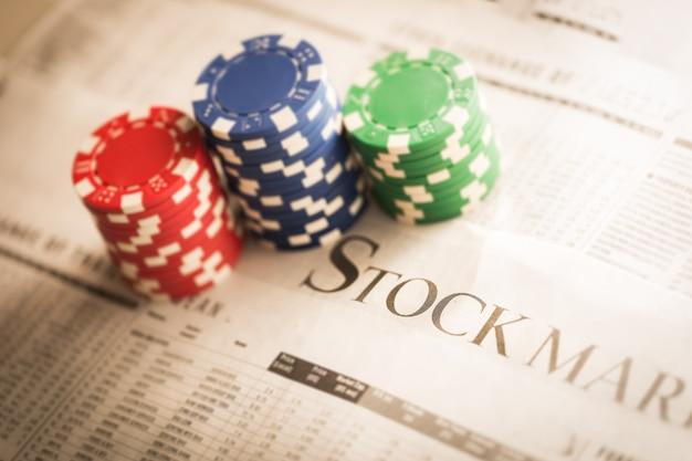 Concept de marché boursier avec des jetons de jeu