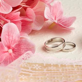 Concept de mariage de luxe fleurs vue haute