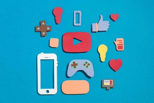 Concept de médias sociaux avec des éléments