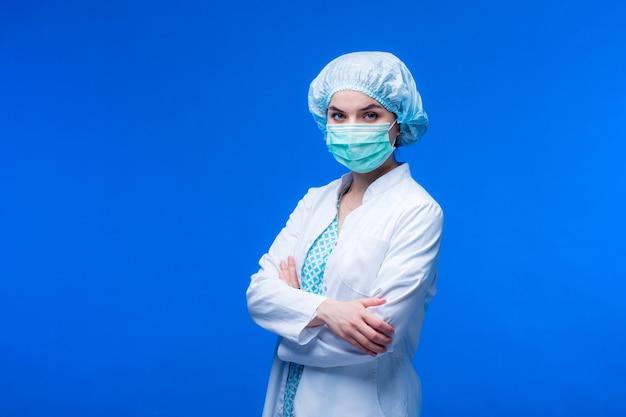 Concept médical de la belle femme médecin.