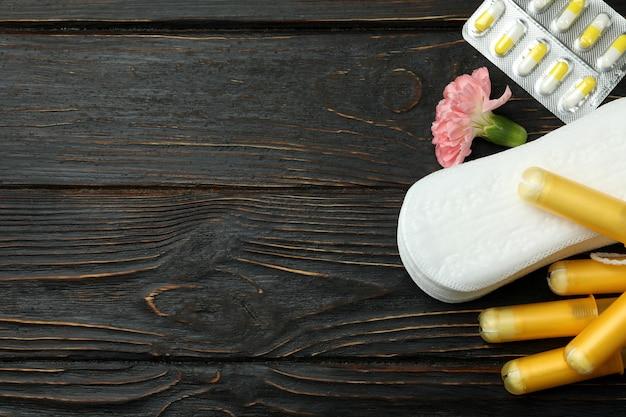 Concept de menstruation sur bois