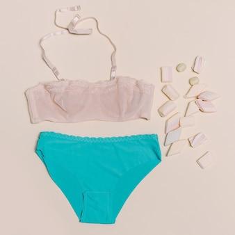 Concept de mode lingerie douce ensemble de sous-vêtements pour fille vanilla fashion style