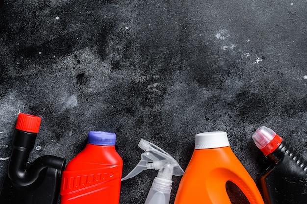Concept de nettoyage à domicile, ménage, hygiène, printemps, corvées, produits de nettoyage