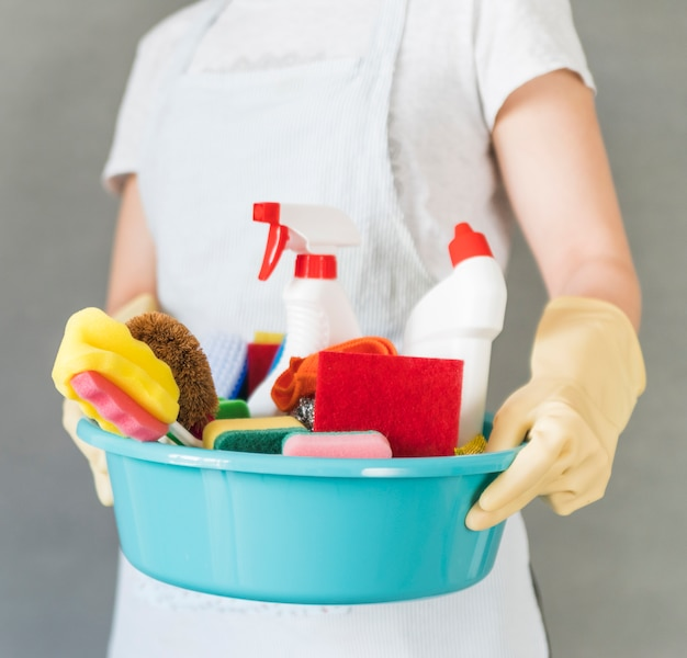 Concept de nettoyage avec seau