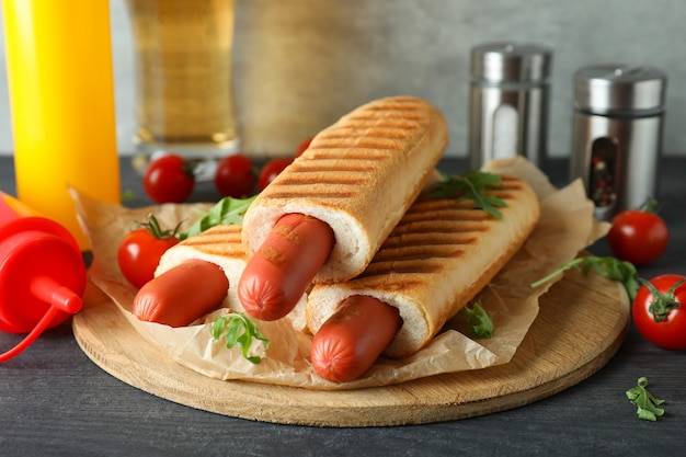 Concept de nourriture savoureuse avec hot-dog français