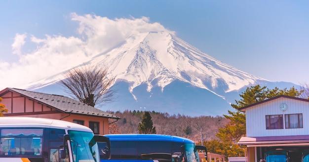 Concept de nuage d'éruption sur le mont fuji