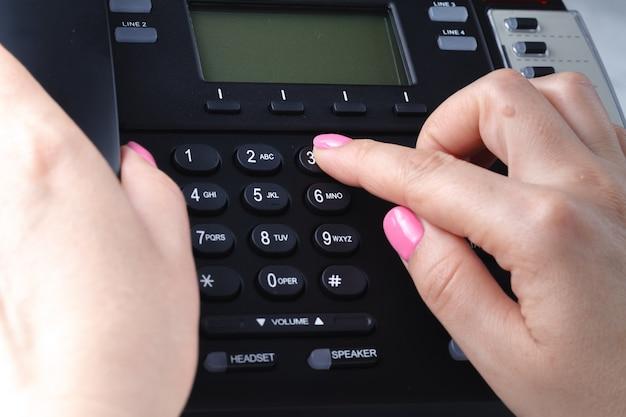 Concept de numérotation téléphonique, de contact et de service client. focus sélectionné