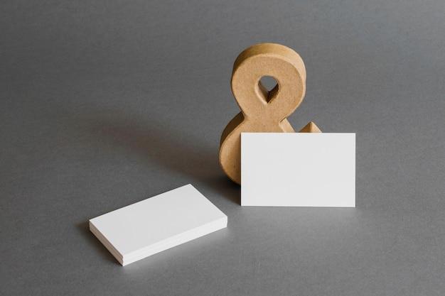 Concept de papeterie avec des cartes de visite