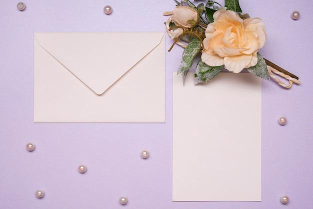 Concept de papeterie d'invitation de mariage