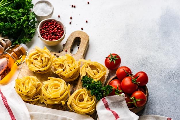 Concept de pâtes et ingrédients