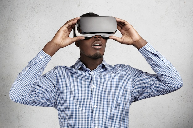 Concept de personnes, technologie, innovation et jeu.