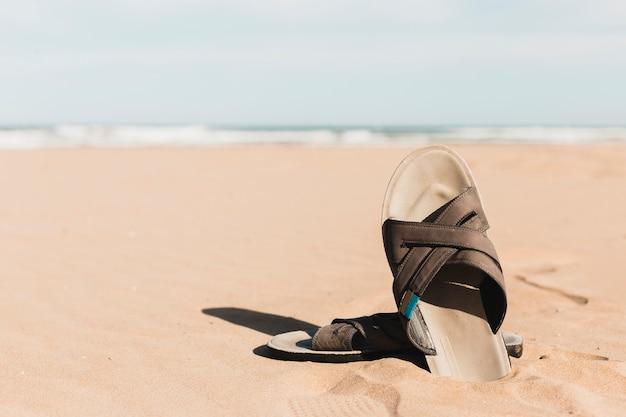 Concept de plage avec sandale