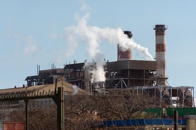 Concept de pollution des émissions d'usine