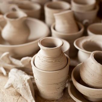 Concept de poterie en céramique floue
