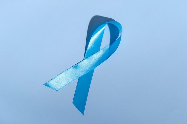 Concept pour la journée mondiale du diabète le 14 novembre. arc de couleur symbolique pour sensibiliser le jour du diabète sur fond clair.