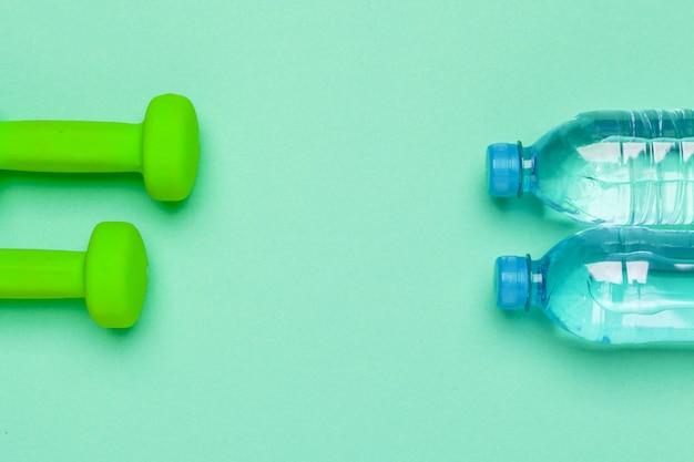 Concept préparant à la vue de dessus d'équipement de sport fitness