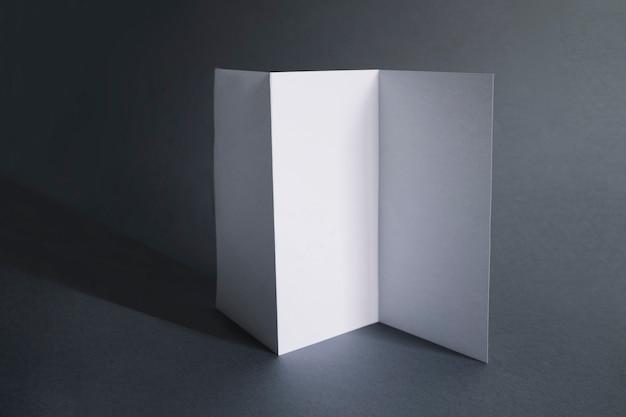 Concept de présentation de papier plié