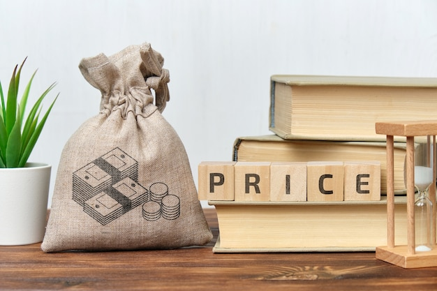 Le concept de prix des biens et services dans un sac en tissu