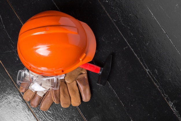 Concept de protection des travaux sur table en bois, vue de dessus