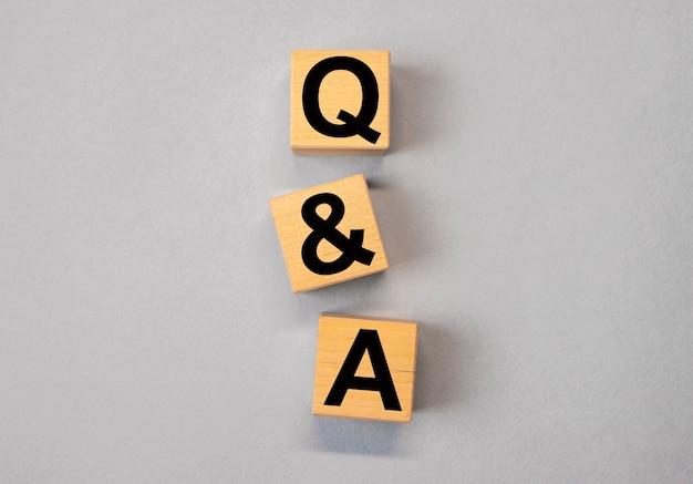 Concept qa et q de questions et réponses dans les affaires et l'éducation