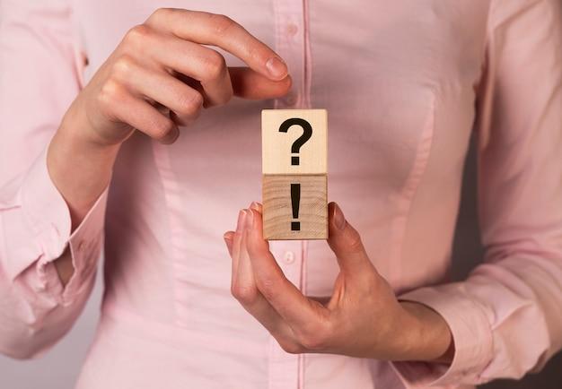 Concept qa et q de questions et réponses dans les affaires et l'éducation.