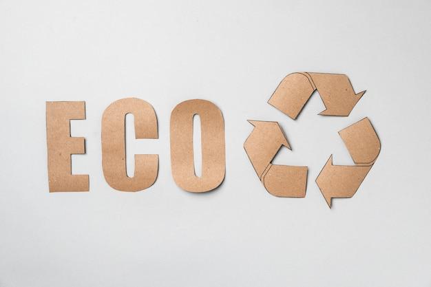 Concept de recyclage du papier, consumérisme écologique