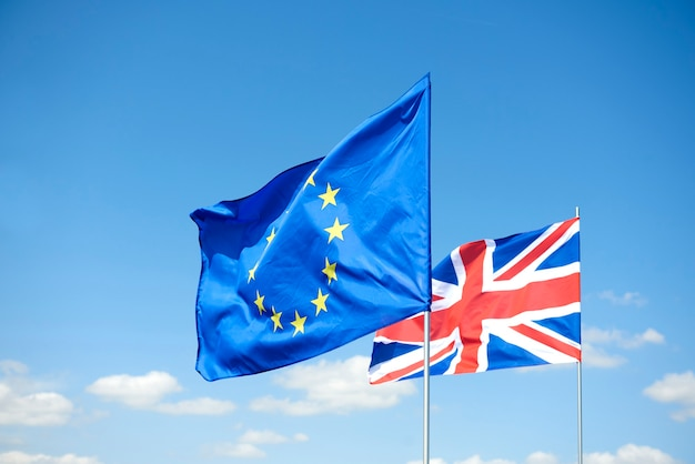Concept de référendum sur le brexit et de drapeaux