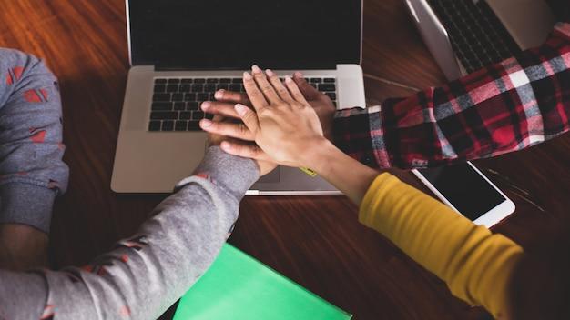 Concept de relation de collaboration de travail d'équipe de gens d'affaires