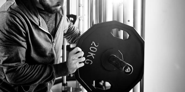 Concept de remise en forme d'exercice d'entraînement de musculation