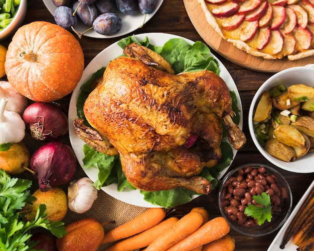 Concept de repas de thanksgiving avec dinde