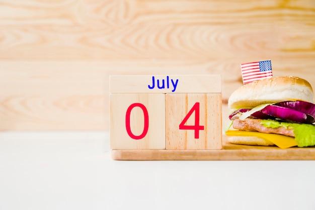 Concept de restauration rapide avec calendrier