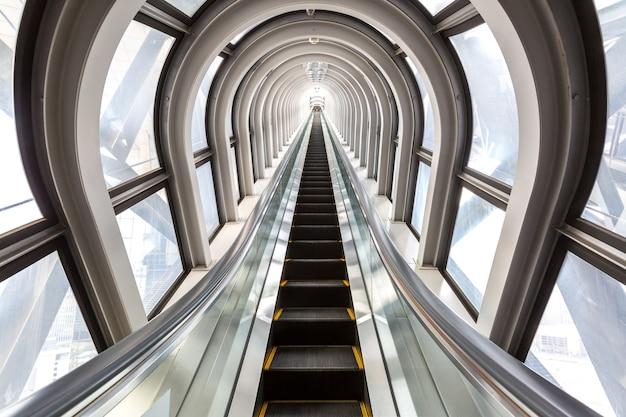 Concept réussi d'escalators