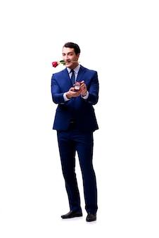 Concept romantique avec homme faisant la demande en mariage