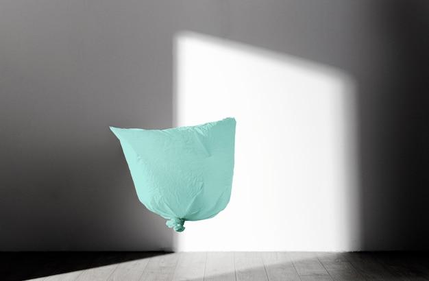 Concept de sac en plastique abstrait avec espace copie