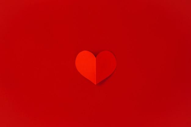 Concept de la saint-valentin avec des coeurs rouges, mise à plat, espace de copie