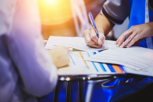 Concept de signature du document contractuel