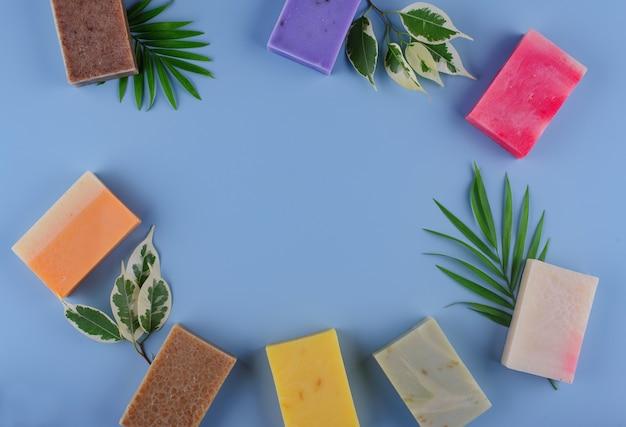 Concept de soins de la peau au savon biologique naturel