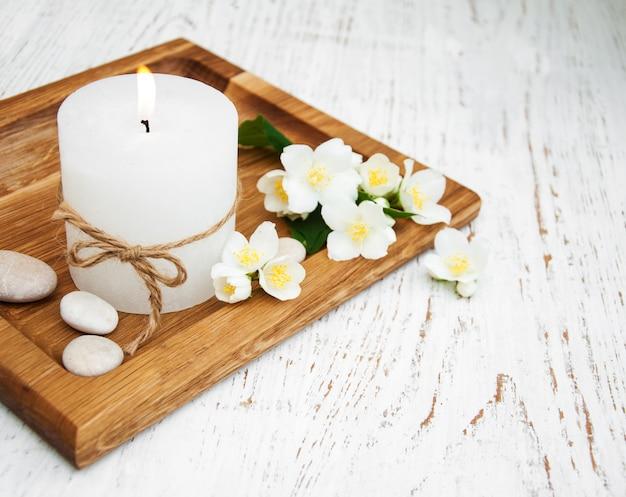 Concept spa aux fleurs de jasmin