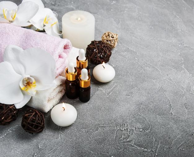 Concept de spa avec des orchidées blanches