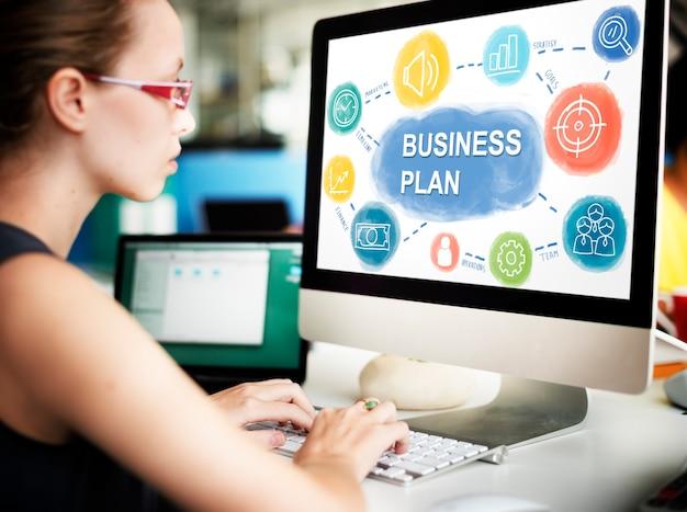 Concept de stratégie de planification d'entreprise de femme d'affaires