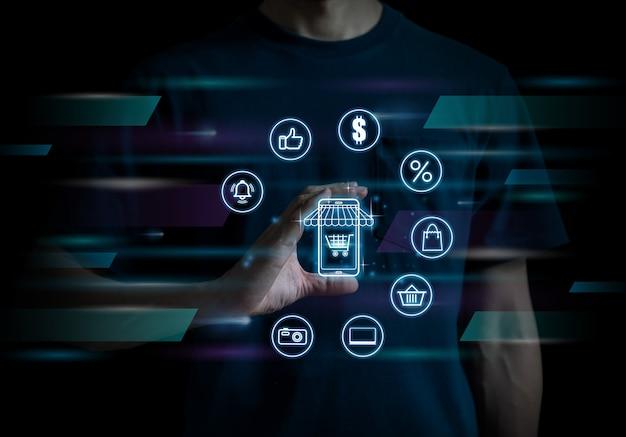 Concept de technologie commerciale de magasinage en ligne sélectionnant avec des icônes d'affaires processus d'achat numérique