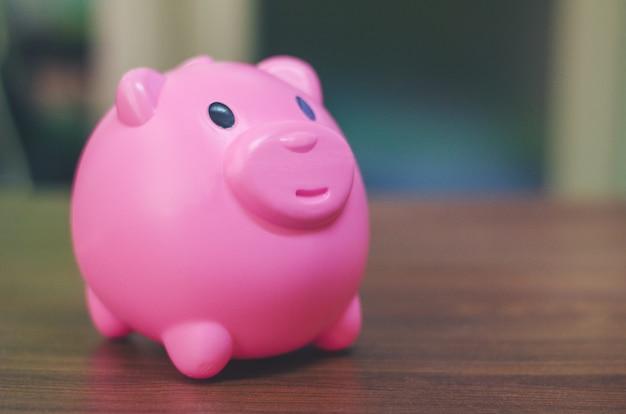 Concept de tirelire pour l'épargne, la comptabilité, la banque et le compte d'affaires