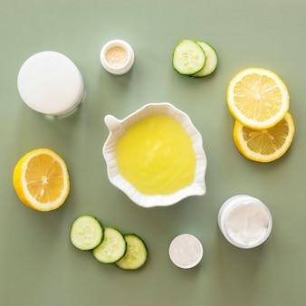 Concept de traitement spa citron et concombre