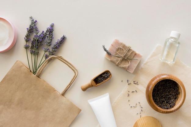 Concept de traitement spa lavande et café
