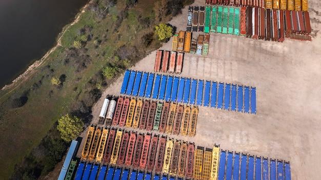 Concept de transport avec conteneurs