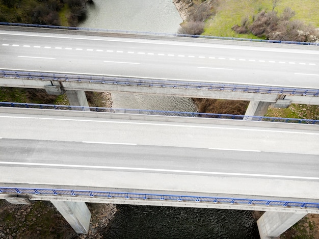 Concept de transport avec ponts
