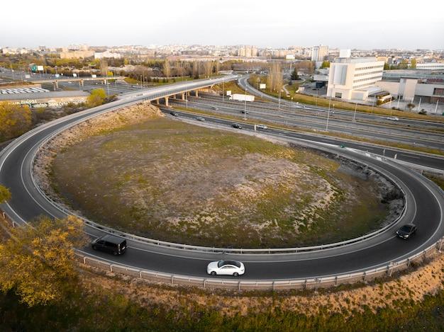 Concept de transport avec des rues