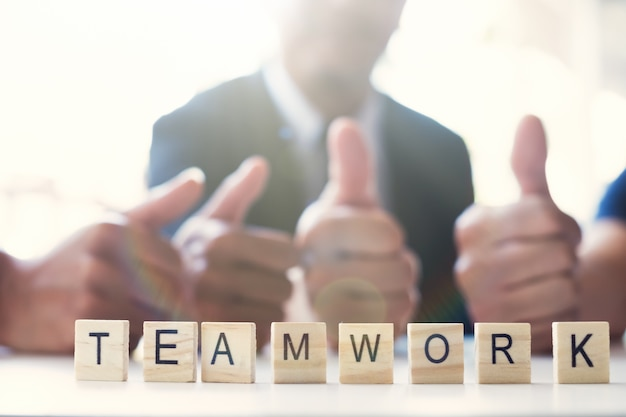 Concept de travail en équipe commerciale.