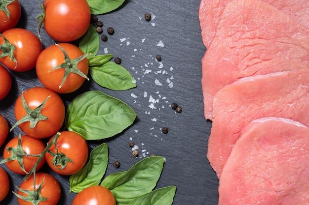 Concept végétarien ou végétalien contre les mangeurs de viande
