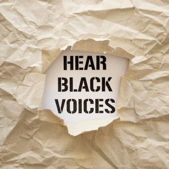 Le concept de la vie noire est important avec du papier froissé